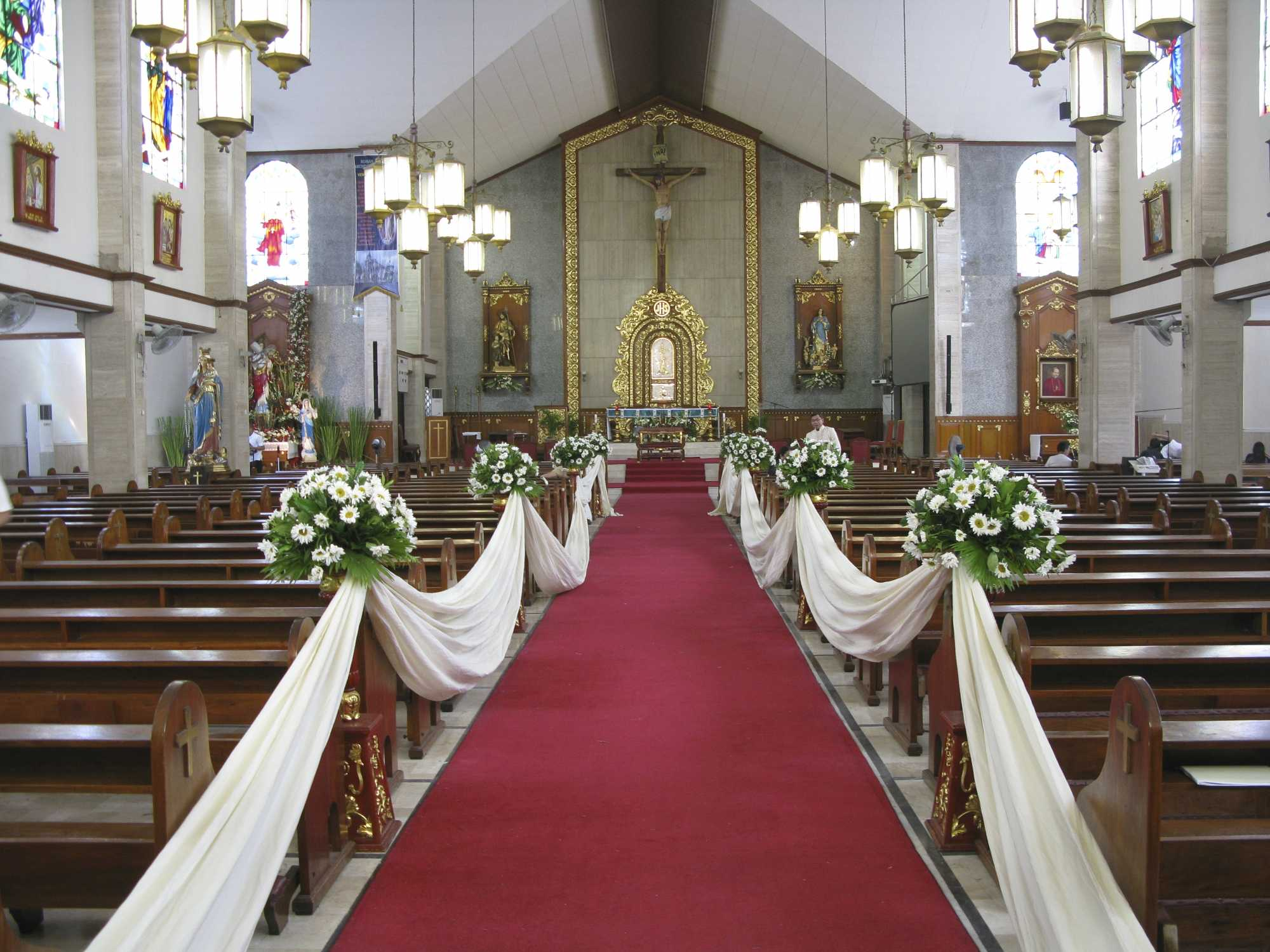 Decorating An Old Church For A Wedding