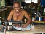 25 Sewing Machine Man-L1291857