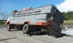 84 Truck-DSCF2886